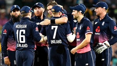 England celebrate in Sydney
