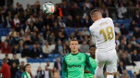 Luka Jovic scores for Real Madrid