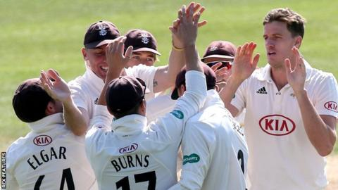 Morne Morkel celebrates a wicket for Surrey in Essex's second innings