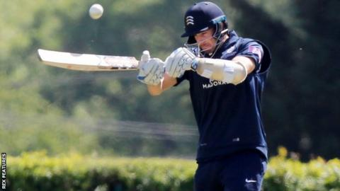 Middlesex batsman Stevie Eskinazi