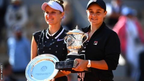 Ashley Barty and Marketa Vondrousova with their trophies
