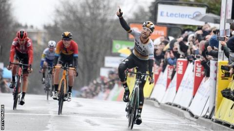 Max Schachmann wins stage one of Paris-Nice