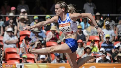 Eilidh Doyle competes at the 2018 Commonwealth Games