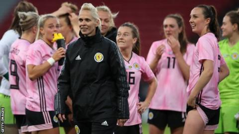 Shelley Kerr: Scotland squad clear air after Women's World Cup row