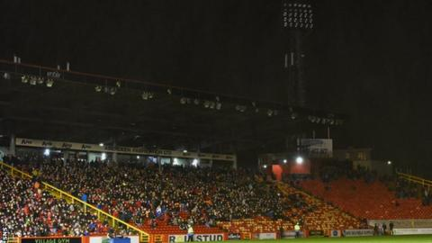 Pittodrie experienced floodlight failure soon after kick-off