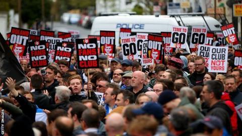 Charlton fans protest