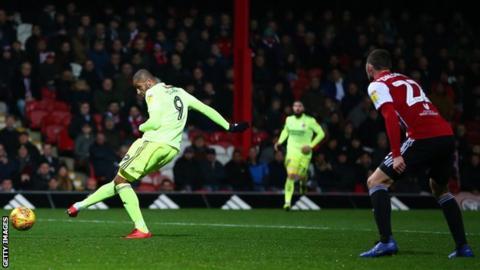 Leon Clarke scores Sheffield United's winner