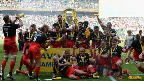 Saracens Premiership Trophy lift