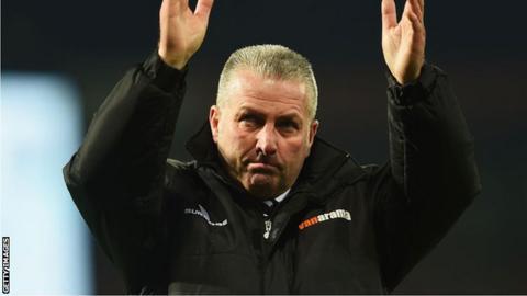 Wrexham manager Gary Mills
