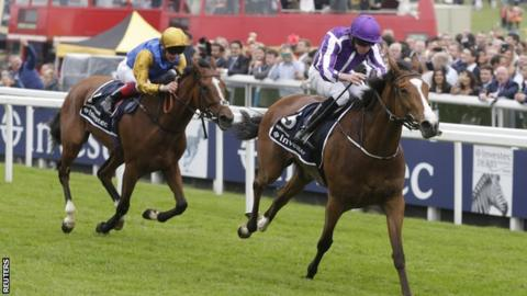 Minding (right) wins the Oaks ahead of Architecture (left)
