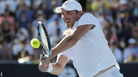 Australian Open day two: Federer, Djokovic and Konta progress to second round