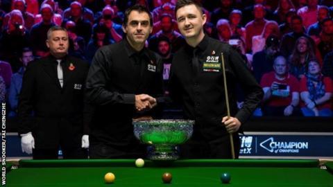 Ronnie O'Sullivan (left) and Kyren Wilson