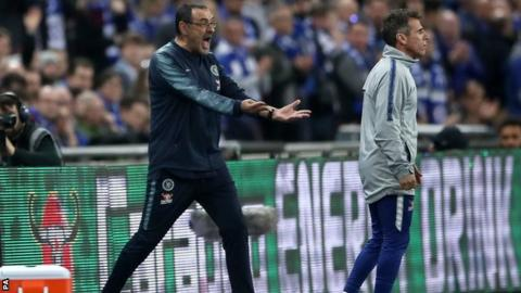 Maurizio Sarri shouting at Kepa from the touchline