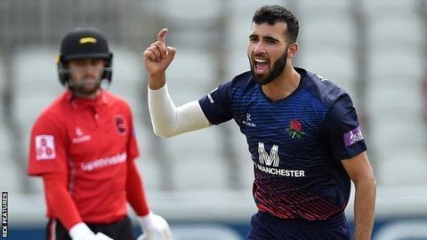 Saqib Mahmood completed his third five-wicket haul in List A cricket
