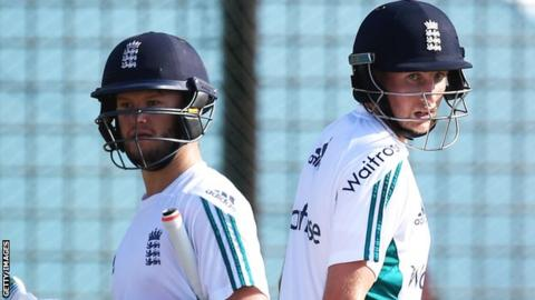 Ben Duckett and Joe Root