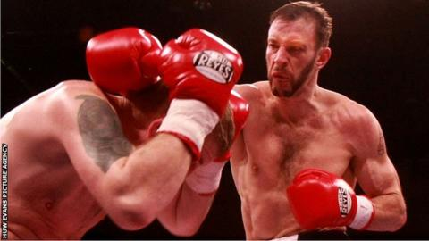 Enzo Maccarinelli in action