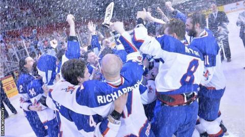 Britain edges Hungary 3-2 in ice hockey