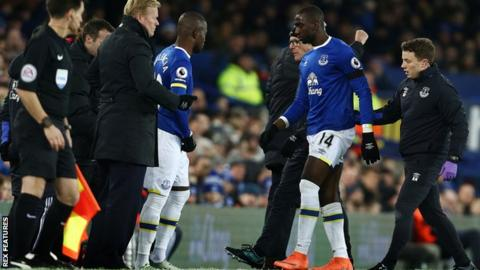Yannick Bolasie goes off injured against Manchester United