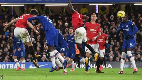 Chelsea 0-2 Man Utd: Martial and Maguire win for guests thumbnail