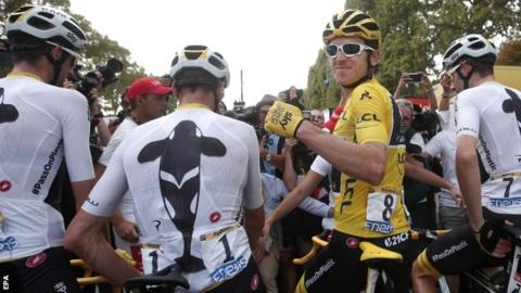 Geraint Thomas (in yellow) with Team Sky team-mates