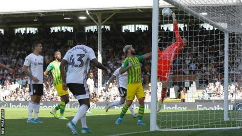 Fulham keeper Marcus Bettinelli complained that he had been fouled by Charlie Austin
