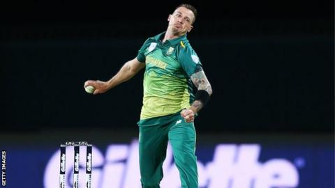 South African reeling at 103-5 against India