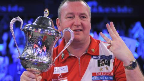 Glen Durrant with the BDO World Championship trophy