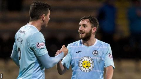 Steven Lawless (right) celebrates with Partick Thistle