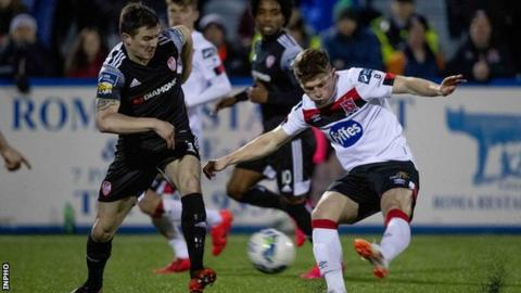 Derry's Ciaran Coll and Dundalk's Cammy Smith