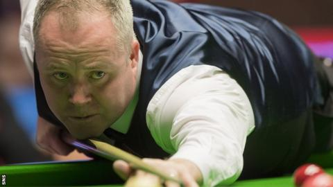 Scottish Open: John Higgins whitewashes Ronnie O'Sullivan to reach semis
