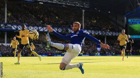 Turkish forward Cenk Tosun joins Crystal Palace on loan