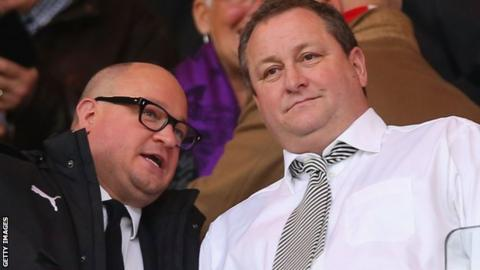 Mike Ashley pus Newcastle up for sale