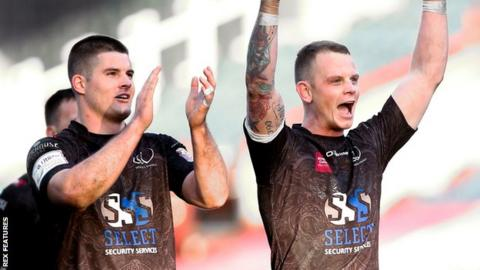 Charly Runciman (left), Kevin Brown (right)