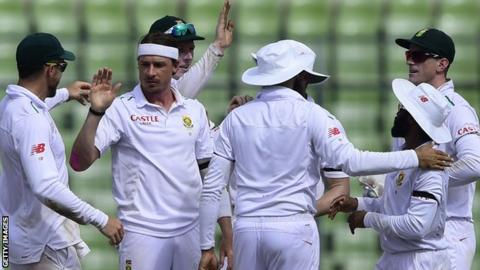 Dale Steyn is congratulated after taking a wicket
