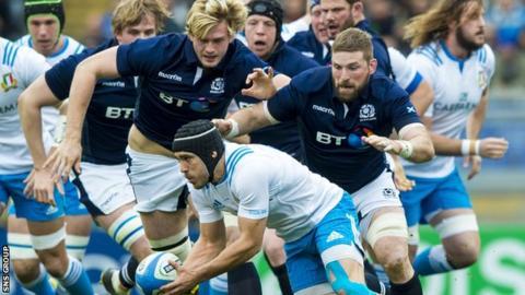 Scotland's pack chase down Italy's Edoardo Gori