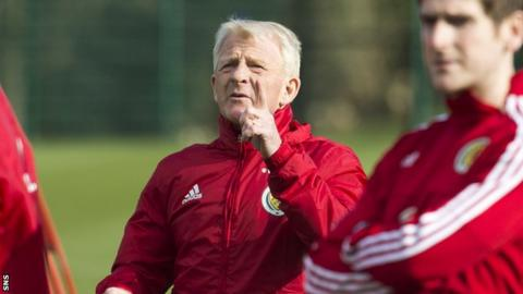 Gordon Strachan at Scotland training on Monday