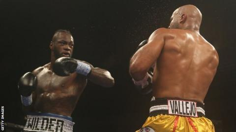 Deontay Wilder (left) in action against Gerald Washington