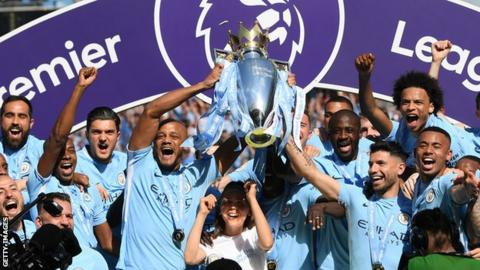 Manchester City led out by 102-year-old Jewish mascot!