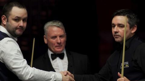 Stephen Maguire (left) will meet Alan McManus