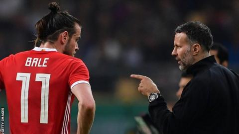 Gareth Bale (left) with Ryan Giggs