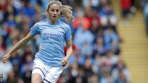 Janine Beckie in action for Man City