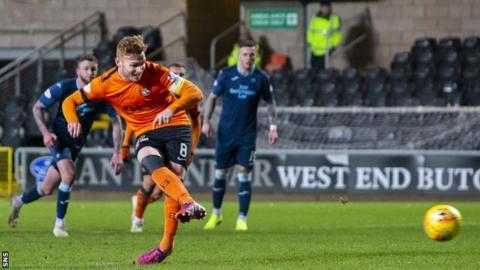 Fraser Fyvie scores a penalty