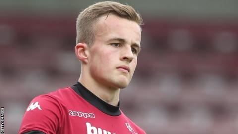 Charles Vernam becomes League One bottom club Coventry's fourth January signing