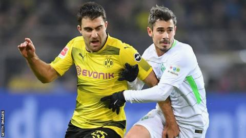 Sokratis Papastathopoulos set to join from Borussia Dortmund for reported £16m