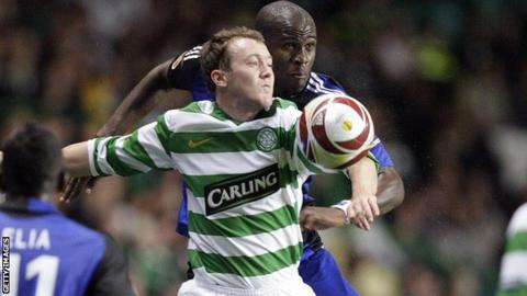 Guy Demel (right) challenges Aiden McGeady during Hamburg's 1-0 win at Celtic Park in 2009