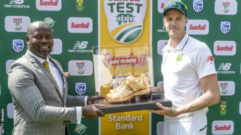 Thabang Moroe with Morne Morkel