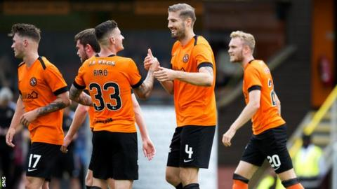 Dundee Utd's Frederic Franc celebrates after making it 1-0 against Alloa
