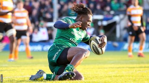 Niyi Adeolokun scores Connacht's first try against the Cheetahs