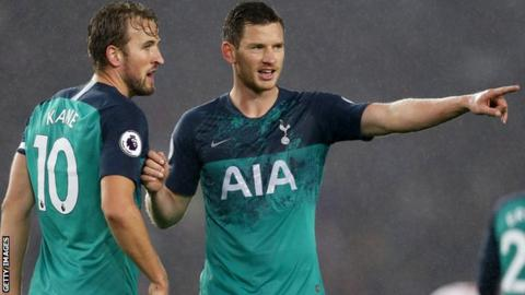 Jan Vertonghen (right)
