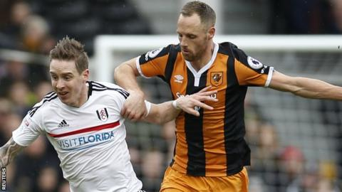 David Meyler sustained his knee injury in training